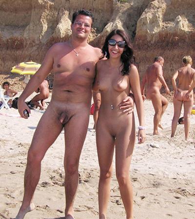 Nudistai  pikantiški vaizdai iš paplūdimių