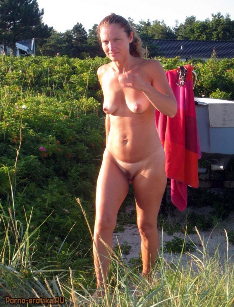 Женщины голые на даче фото фото 662-151
