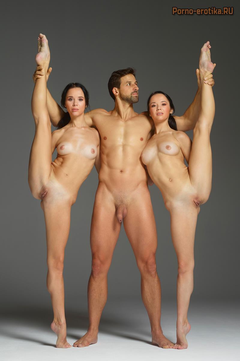 страница азиатки много мужиков и гимнастка очень сексуальная девчонка