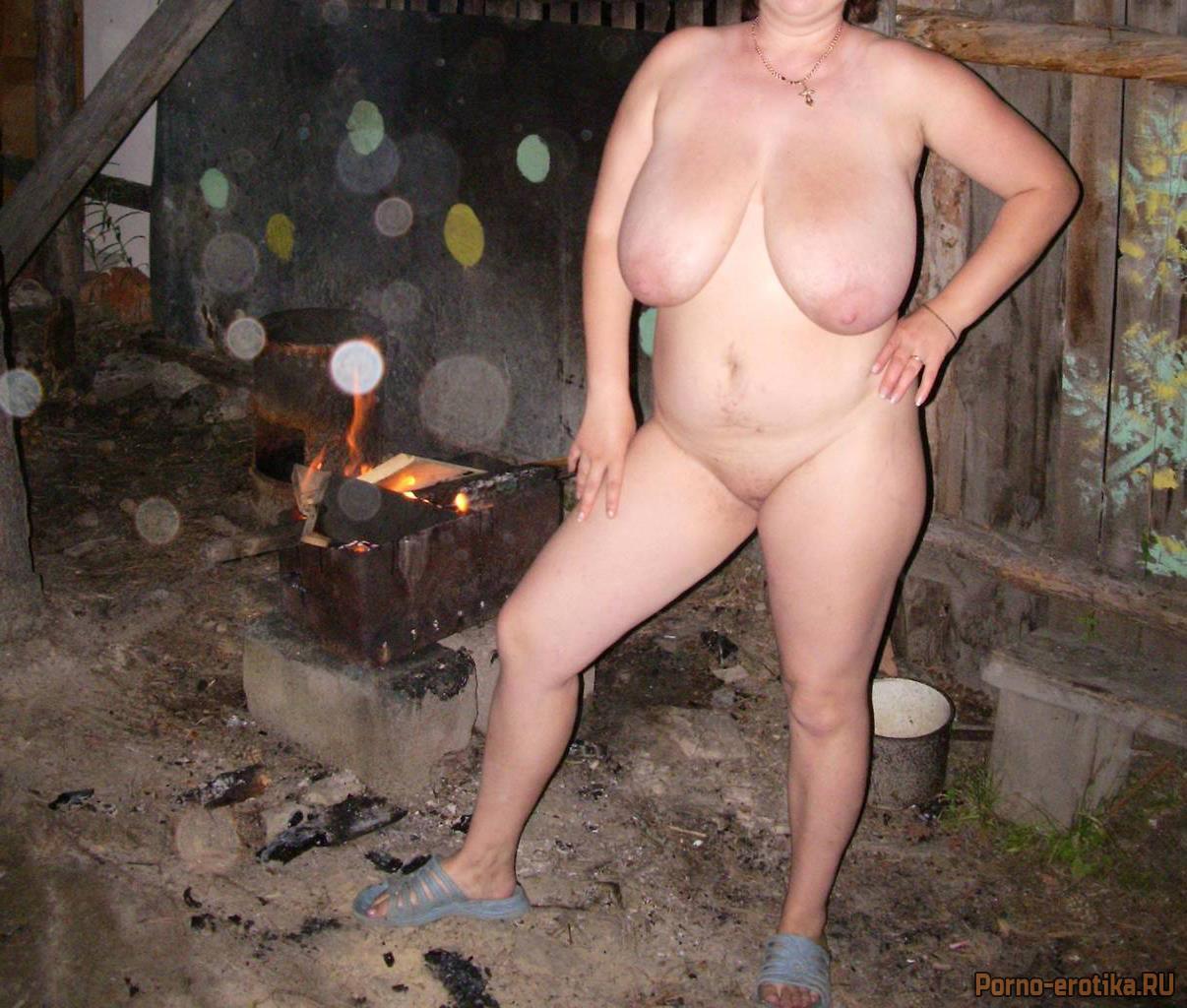 порно видео зрелых сисястых баб на даче голышом