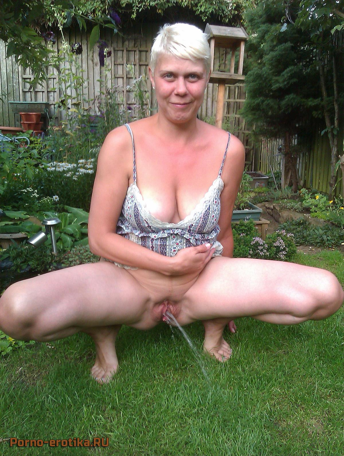 Зрелая дама писает порно фото 391-78