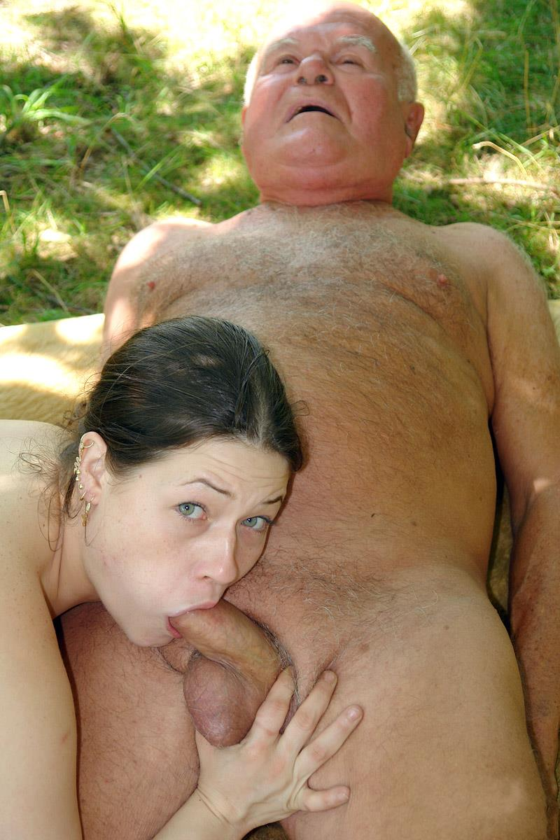 порно минет у старого - 14