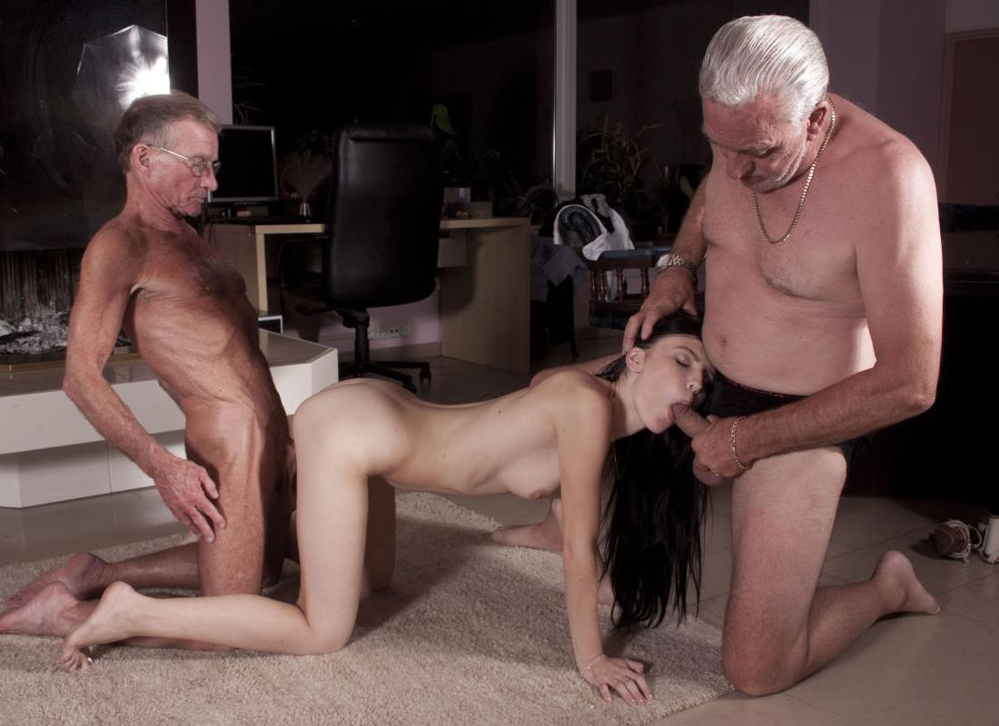Порно фото девушек со стариками вконтакте #2