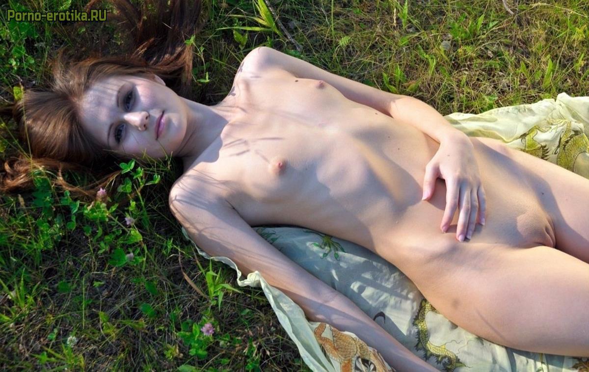 Смотреть фото эротика худые, Худые порно секс фото, худенькие красавицы 21 фотография