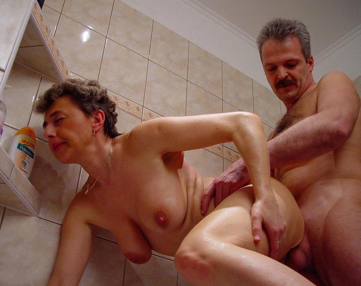 Секс в ванной с белокурой подругой, Русское порно в душе и ванной на 20 фотография