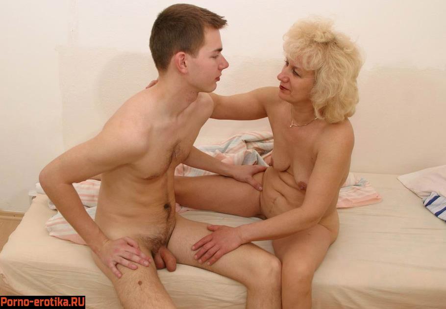 Молодые бляди мамочки соврощяют своих сыновей