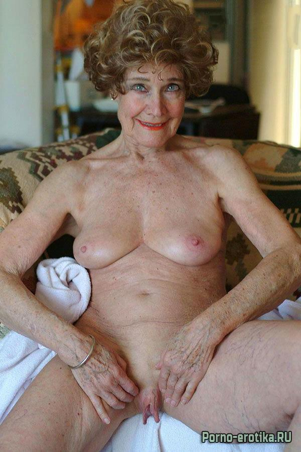 The oldest nude women — img 14