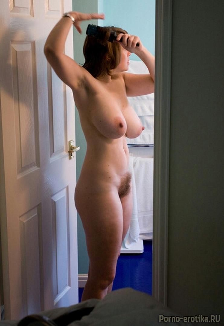 porno-eva-foto-zhena-golishom-po-domu