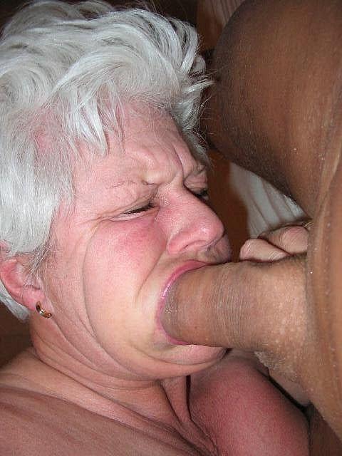 Бабушке за щеку порно