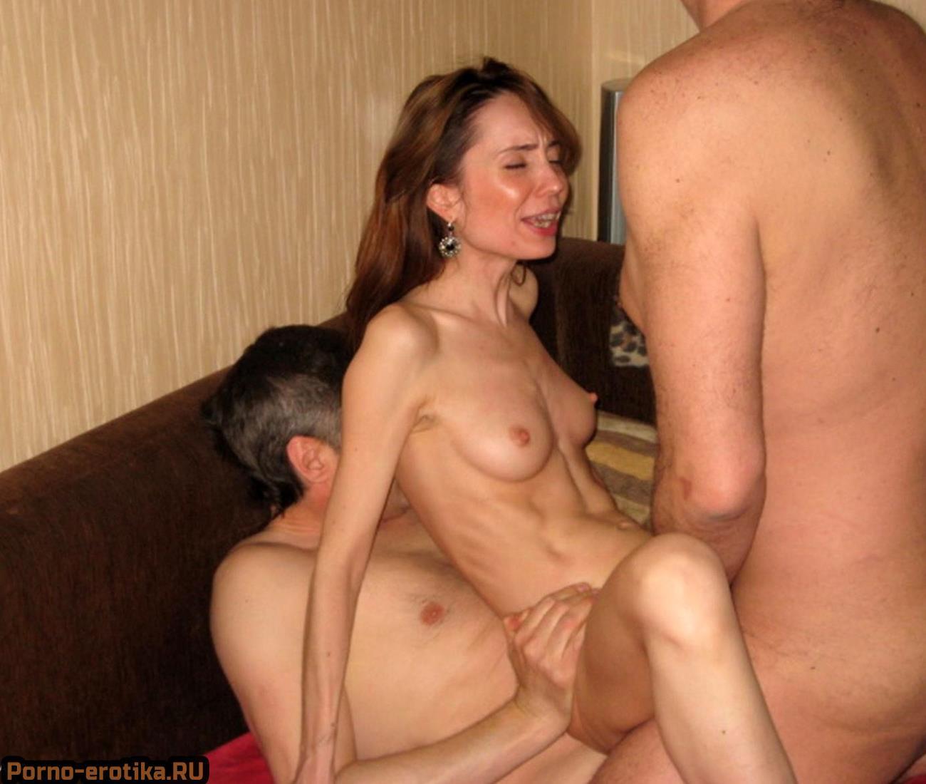 свежее порнофото зрелых баб дающие во все дыры