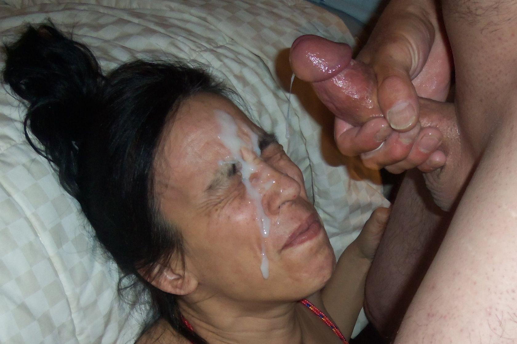 porno-foto-sperma-na-litse-i-odezhde-zrelih-zhenshin-pornozvezda-mishel-soset-huy
