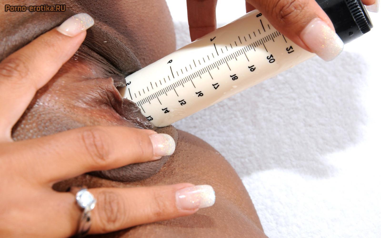 жена, порно онлайн измеряет глубину влагалища это время