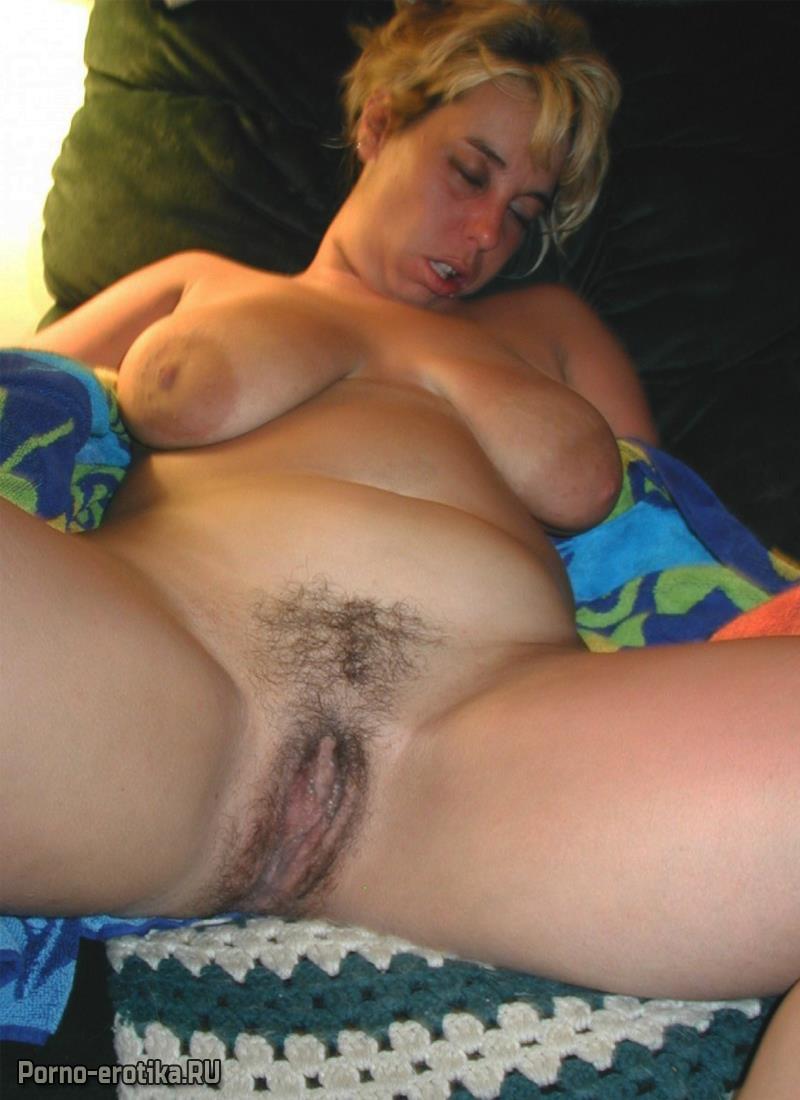 порно алкашки зрелые усердно позируют