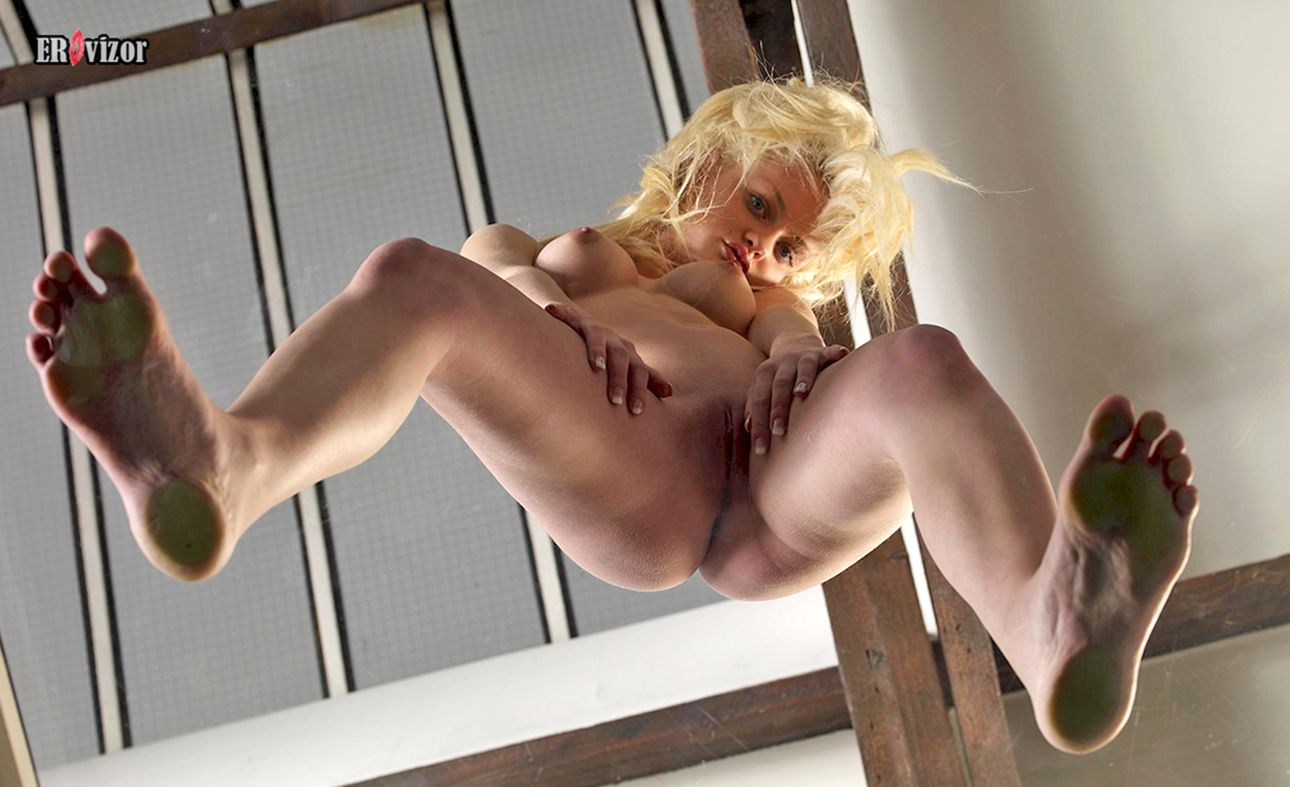 pussy-on-glass-alexis-silver-oral-gif-xxx