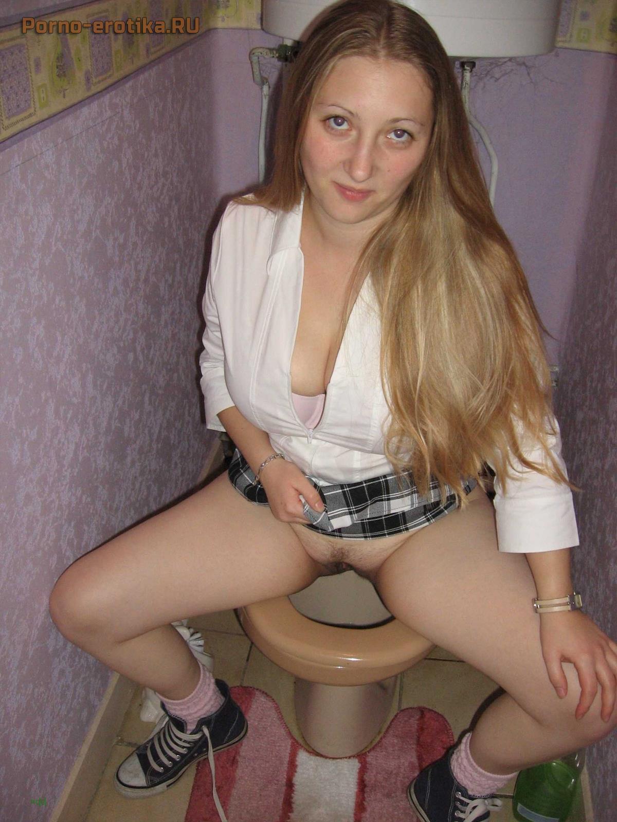 Порно сут в туалете