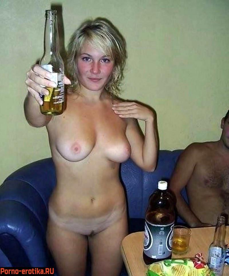 Пьяные русские студентки удовлетворили друг друга и