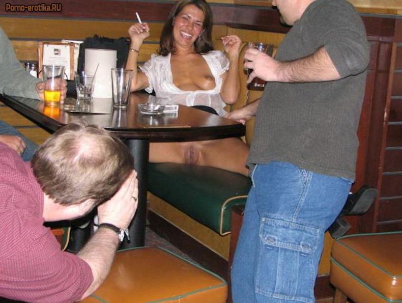 Показала пизду нод столом фото 66-381