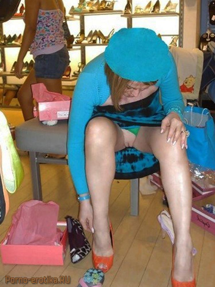 Показала пизду в магазине еро фото фото 767-82