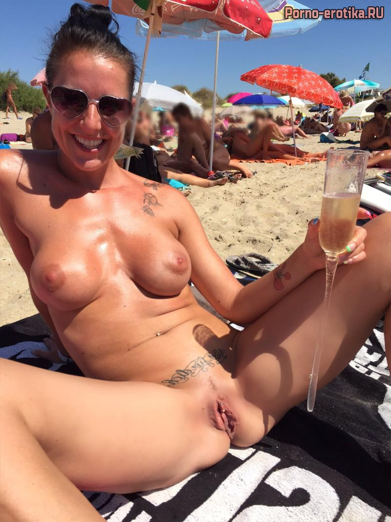 Beach pussy pics