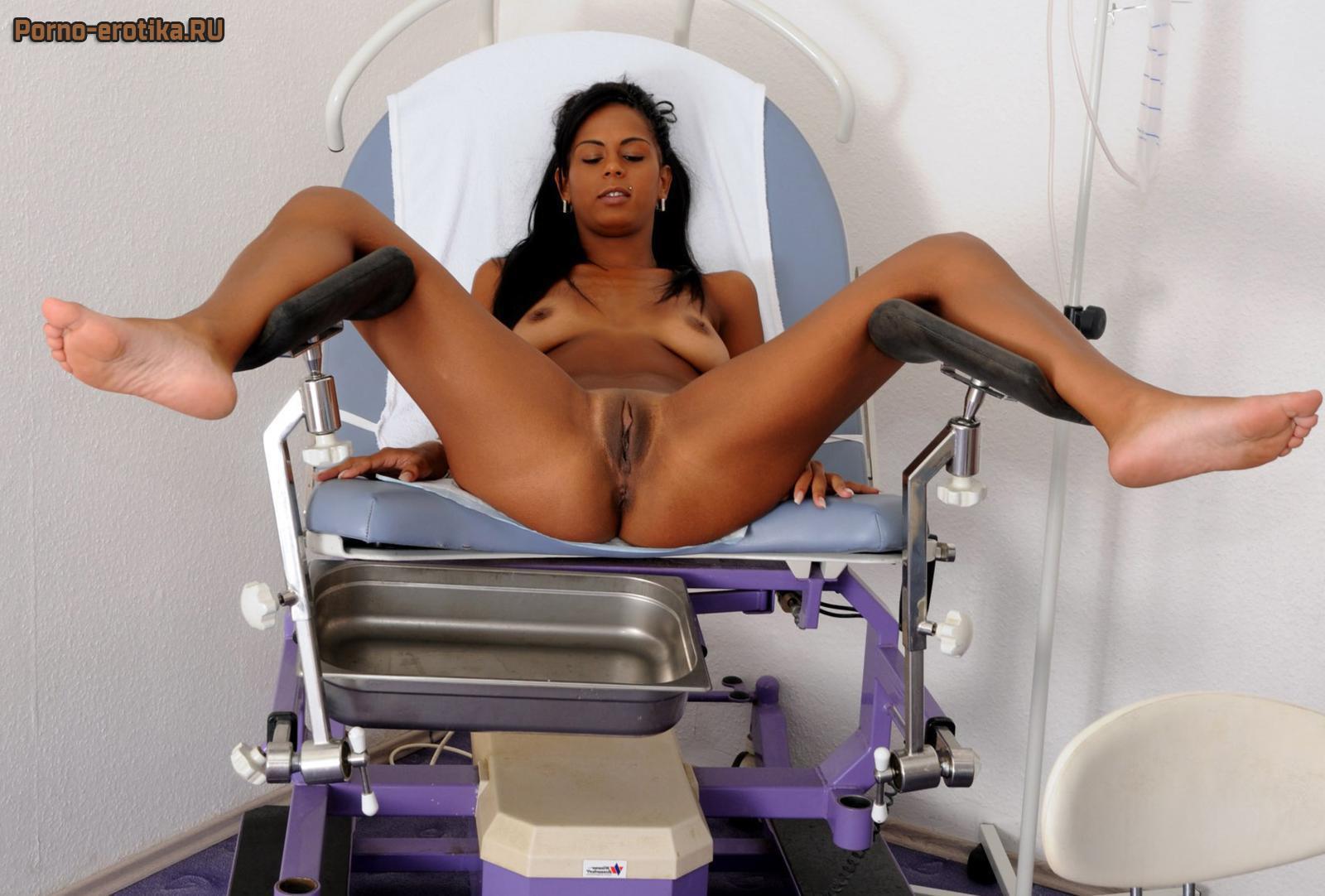 Девушка на гинекологическом кресле мед ролики
