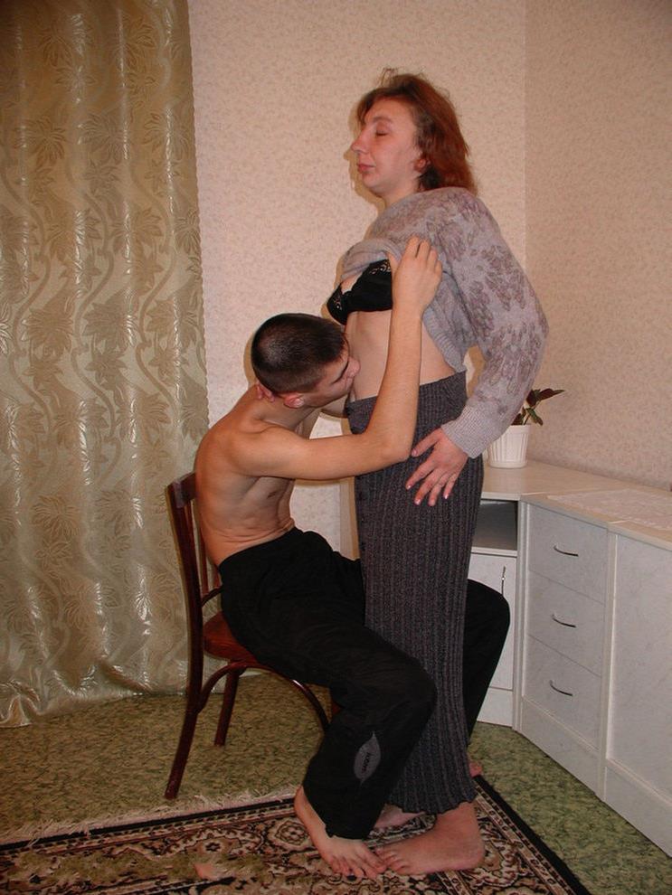 Трахнул мать в жопу порно онлайн 24 фотография