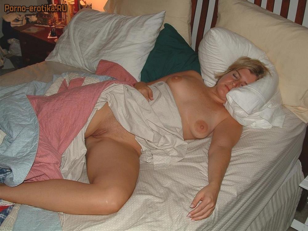 Фото порно подглядывание спящими мамами