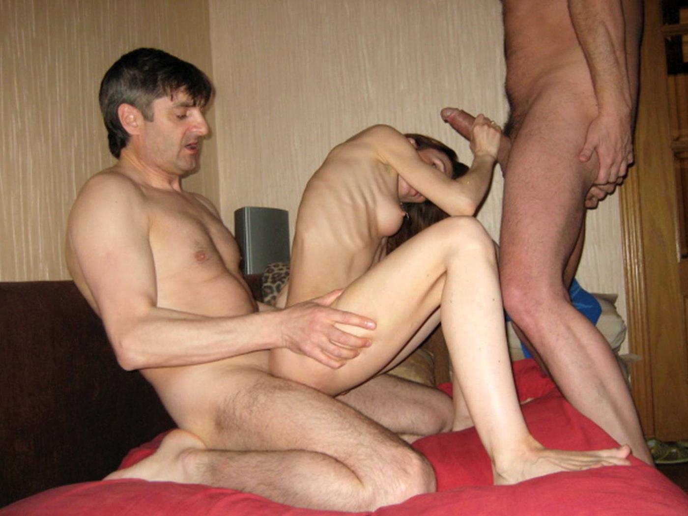 Порно фото ебут худых перед прохожей порноактриса