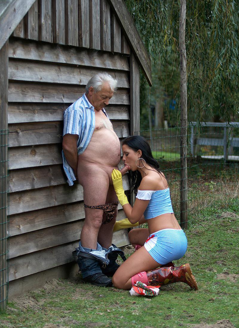 улице на секс дедушкой