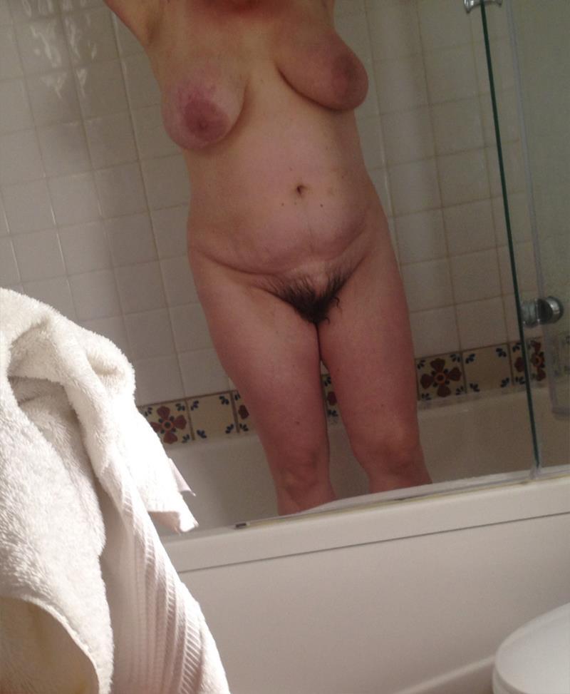 golie-mamki-podglyadivanie