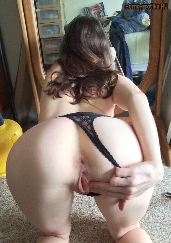 porno-s-sekretarshami-dvumya-bryunetkami